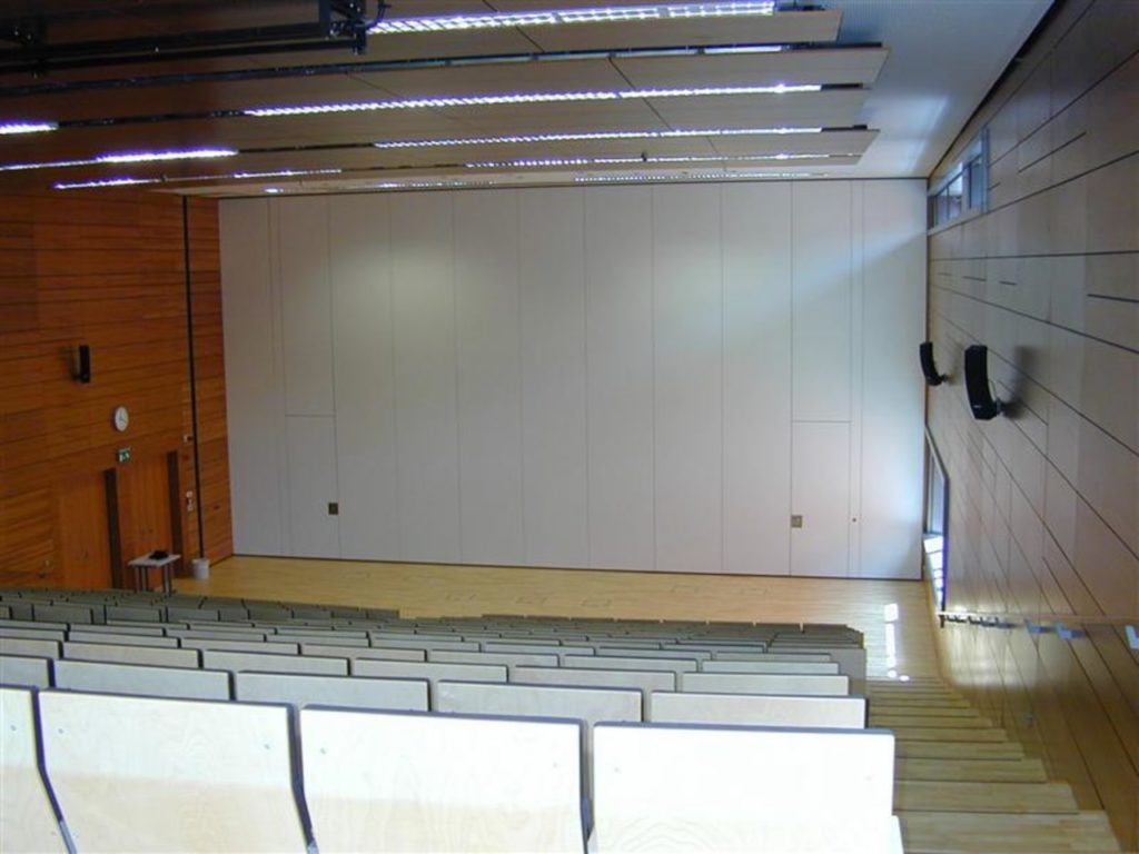 ściana przesuwna na uniwersytecie